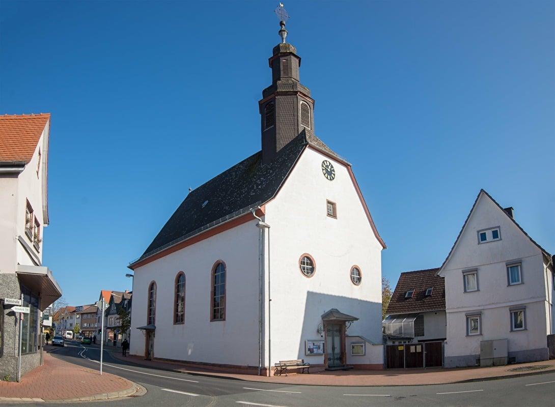 Evangelische Kirche Köppern, Friedrichsdorf   Taunus.info